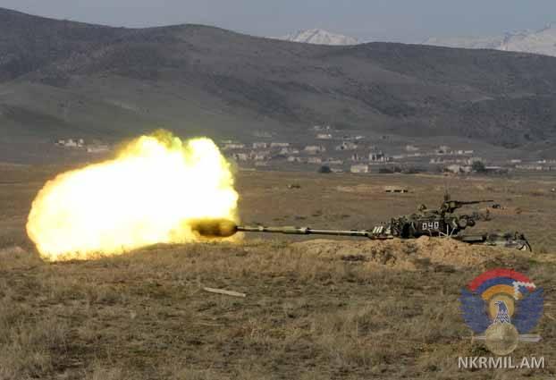 ВС Азербайджана интенстивно обстреливают из минометов боевые позиции армии НКР
