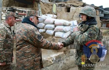 Министр обороны Арцаха Карен Абрамян побывал на передовой
