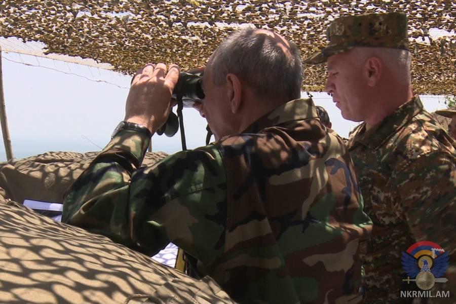 Президент Арцаха посетил линию соприкосновения