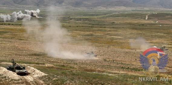 В Арцахе прошли полковые тактические учения с боевой стрельбой
