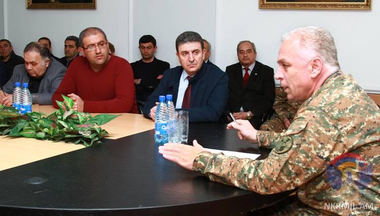Глава Минобороны Арцаха: Военные высоко оценивают поддержку интеллигенции