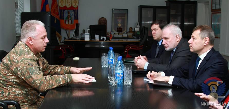 ՊԲ հրամանատարն ընդունել է Արցախ ժամանած ԵԱՀԿ Մինսկի խմբի համանախագահներին