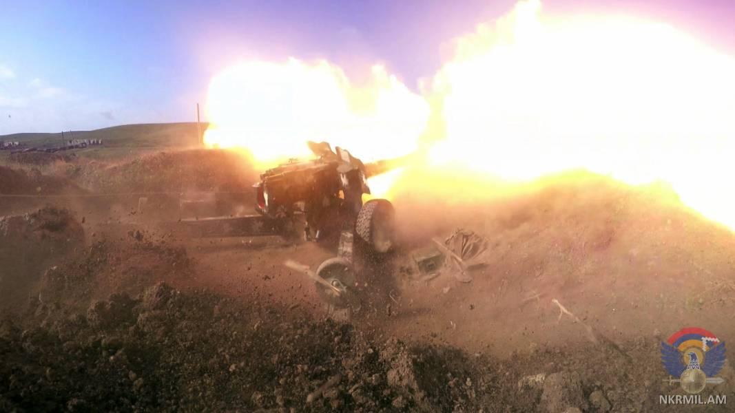 В Арцахе прошли артиллерийские учения