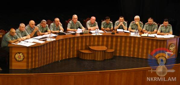 Министр обороны НКР призвал военнослужащих не терять бдительность