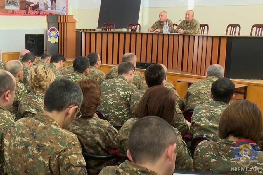 Глава Генштаба ВС Армении принял участие в совещании в штабе Армии обороны Арцаха