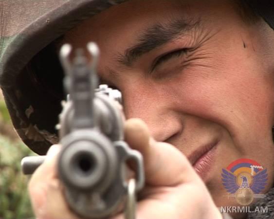 Минобороны НКР: ВС Азербайджана произвели в направлении армянских позиций около 2500 выстрелов