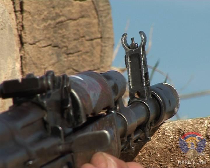 Минобороны НКР: ВС Азербайджана ночью произвели в направлении армянских позиций свыше 300 выстрелов